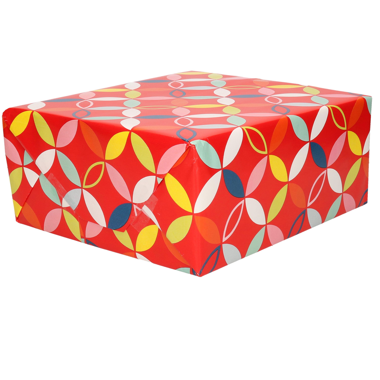 1x Cadeaupapier rood met gekleurde bloem motief 70 x 200 cm