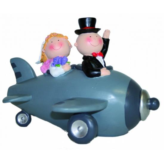 Bruidspaar in vliegtuig spaarpot 18 cm