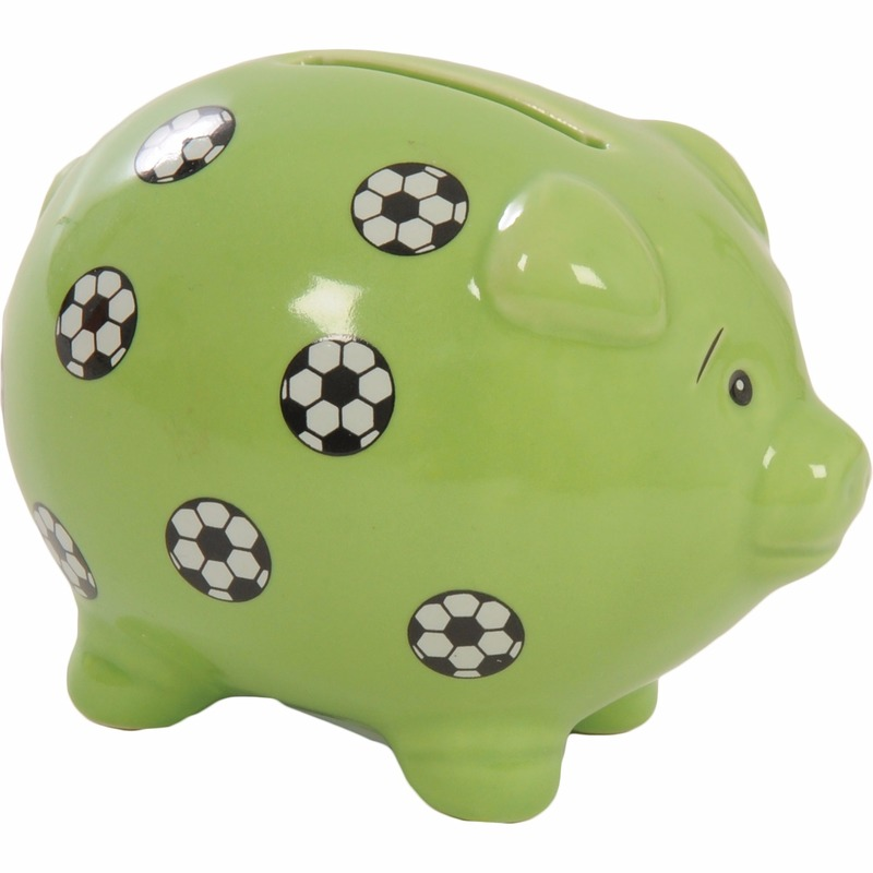 Groen spaarvarkentje met voetballen 9 cm