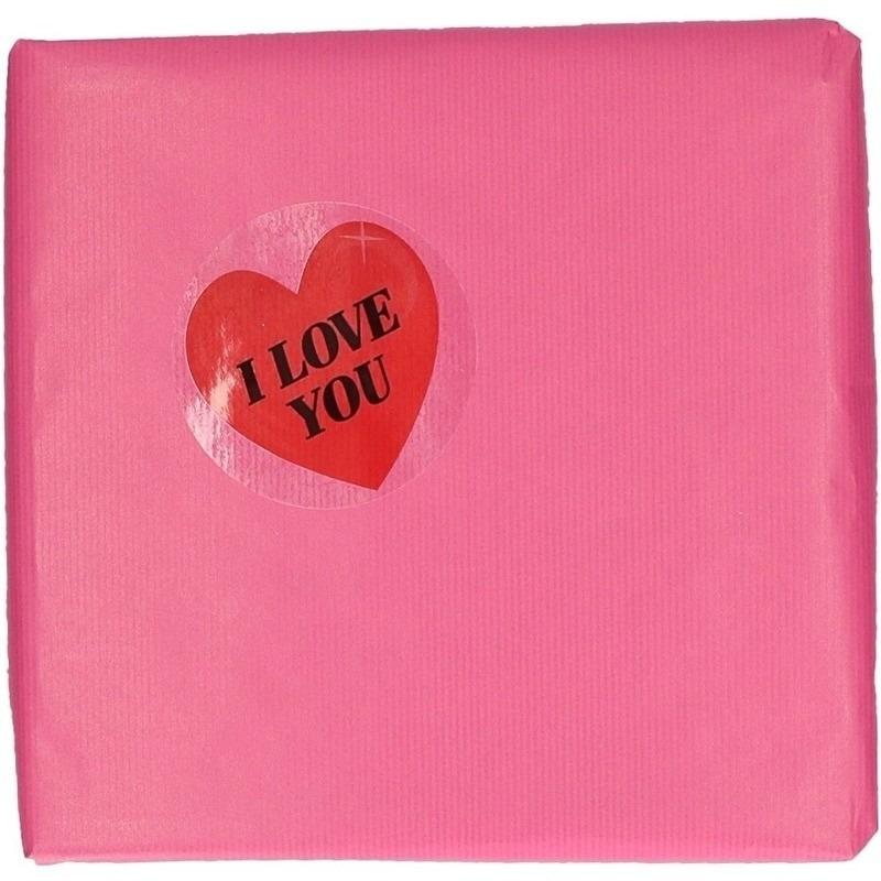 Roze inpakpapier met hartjessticker