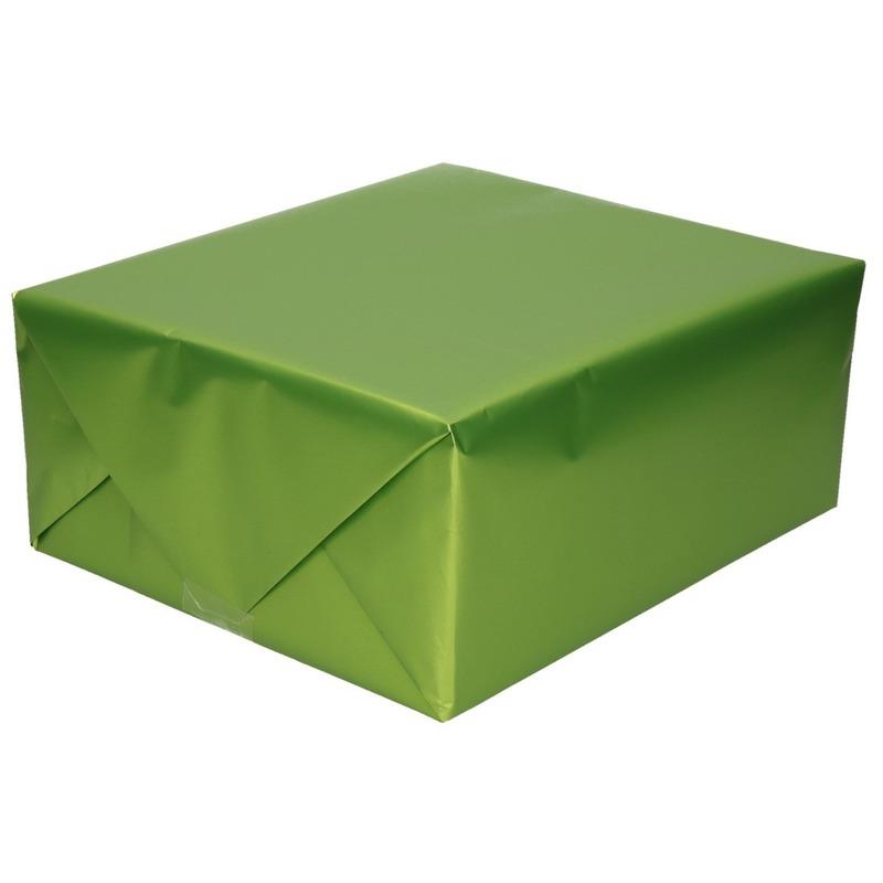 Verjaardag kadopapier unikleur groen 150 x 70 cm met luxe zijdeglans afwerking